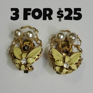 Vintage Floral Yellow Pearl Clip On Earrings